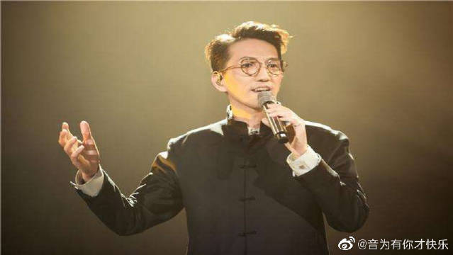 《没离开过》林志炫外表文质彬彬,连说话也很轻柔