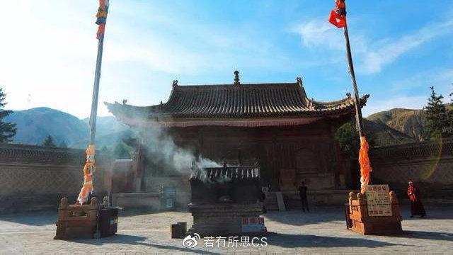 """藏在青海深山里的""""小故宫"""",真正很古老的寺庙,国内已为数不多"""