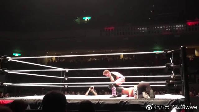 黑名单克里斯杰里科对抗硬派大师中邑真辅,粉丝视觉WWE摔角现场!