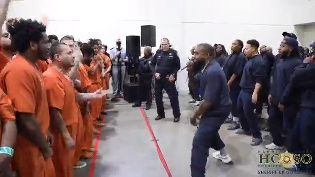 Kanye West与Sunday Service合唱团到休斯敦哈里斯县监狱为囚犯表演