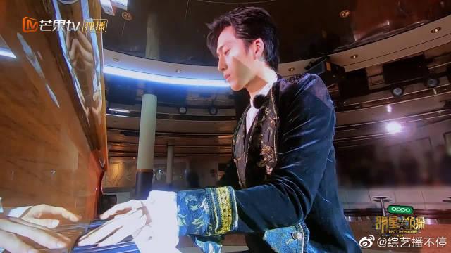 井·王子·邦绝美钢琴独奏,帅气如果有罪,那么!他是无期徒刑!