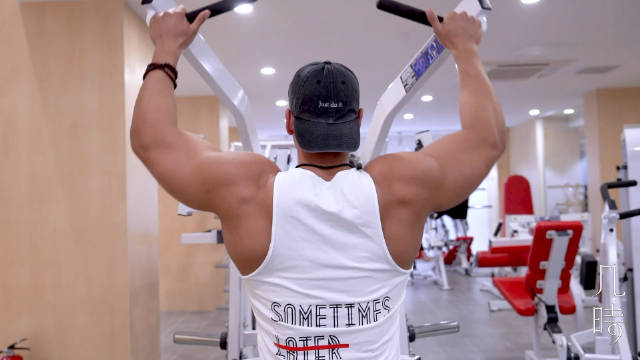 IFBB 古典PRO @陈能哥哥 的背部训练心得分享