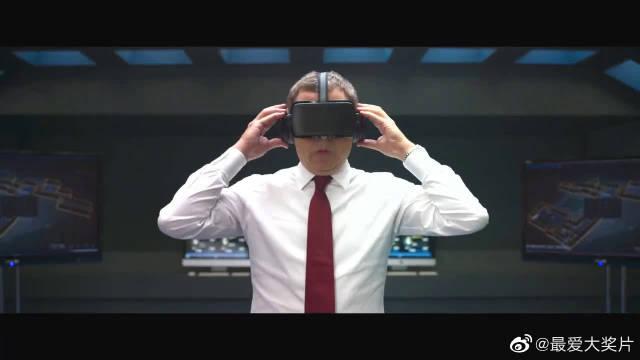 《憨豆特工3》精彩片段,憨豆玩VR游戏,太搞笑了