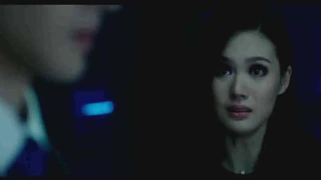 锦荣街头与混血女模甜蜜拥吻,恋情曝光,在锦荣和蔡依林分手后
