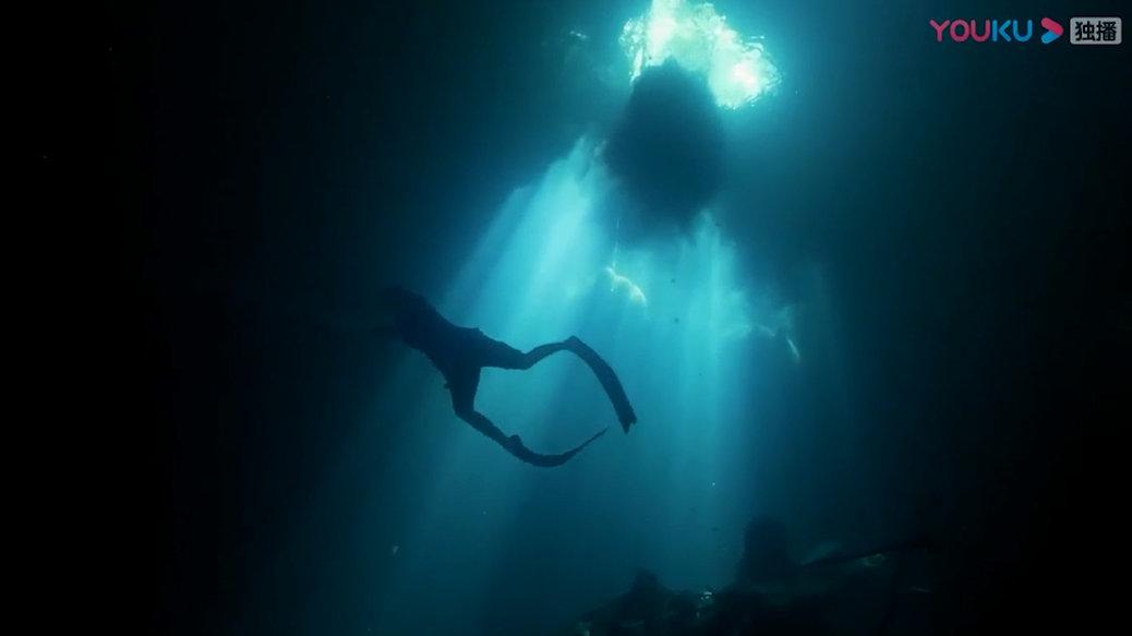 十个世界尽头 20190806期 洞穴探险进入寂静的水下世界