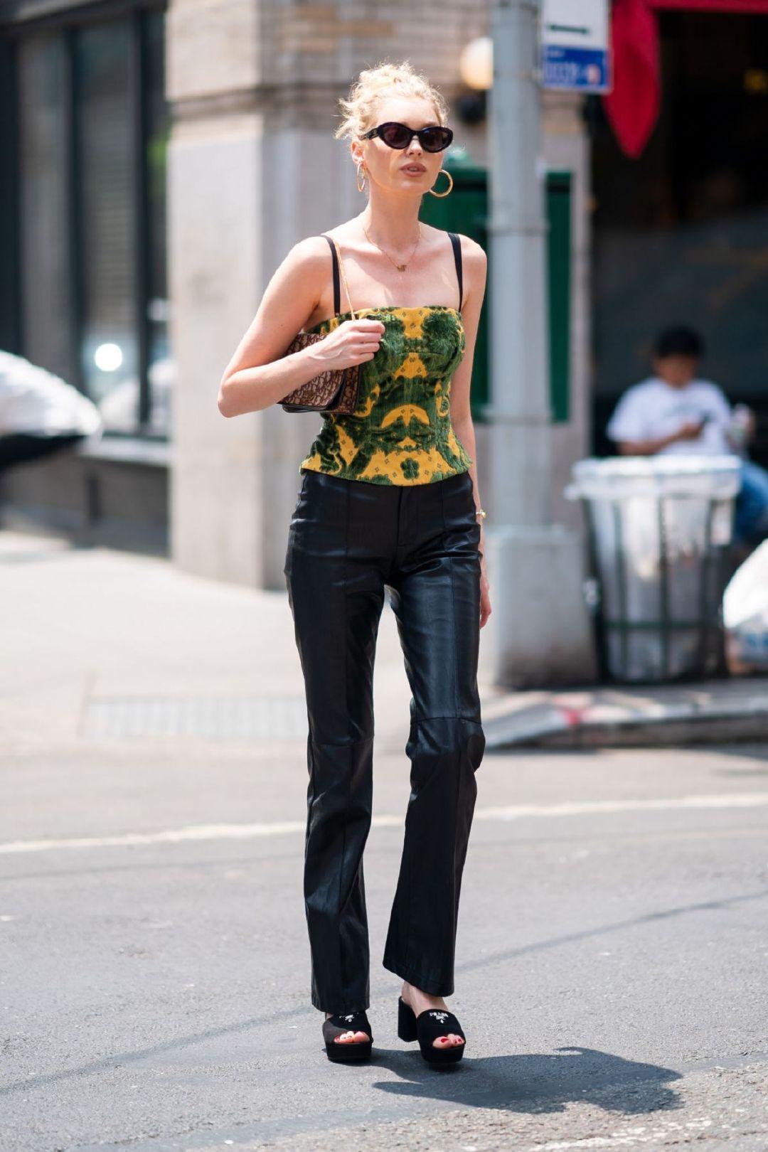 超模Elsa Hosk纽约街拍