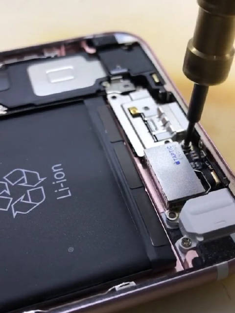 iPhone 6Plus更换电池步骤