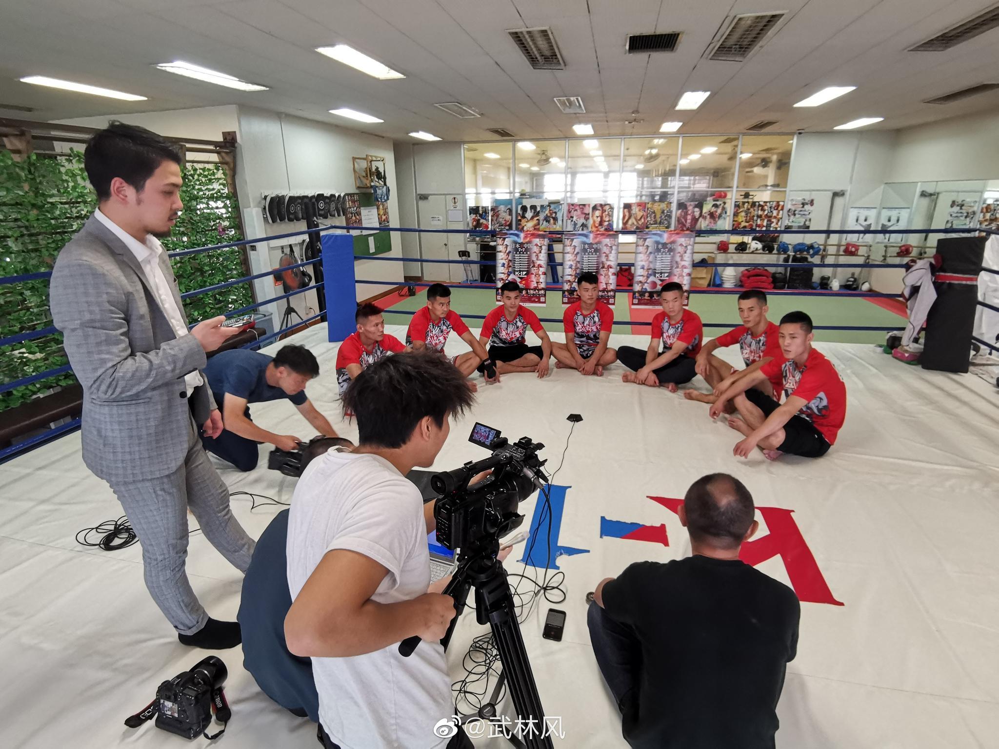 中国勇士们在日本K-1总部接受日本媒体采访与宣传片拍摄