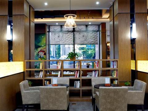 厦门文艺团聚主题餐厅,健身房高尔夫KTV,吃喝玩乐一条龙