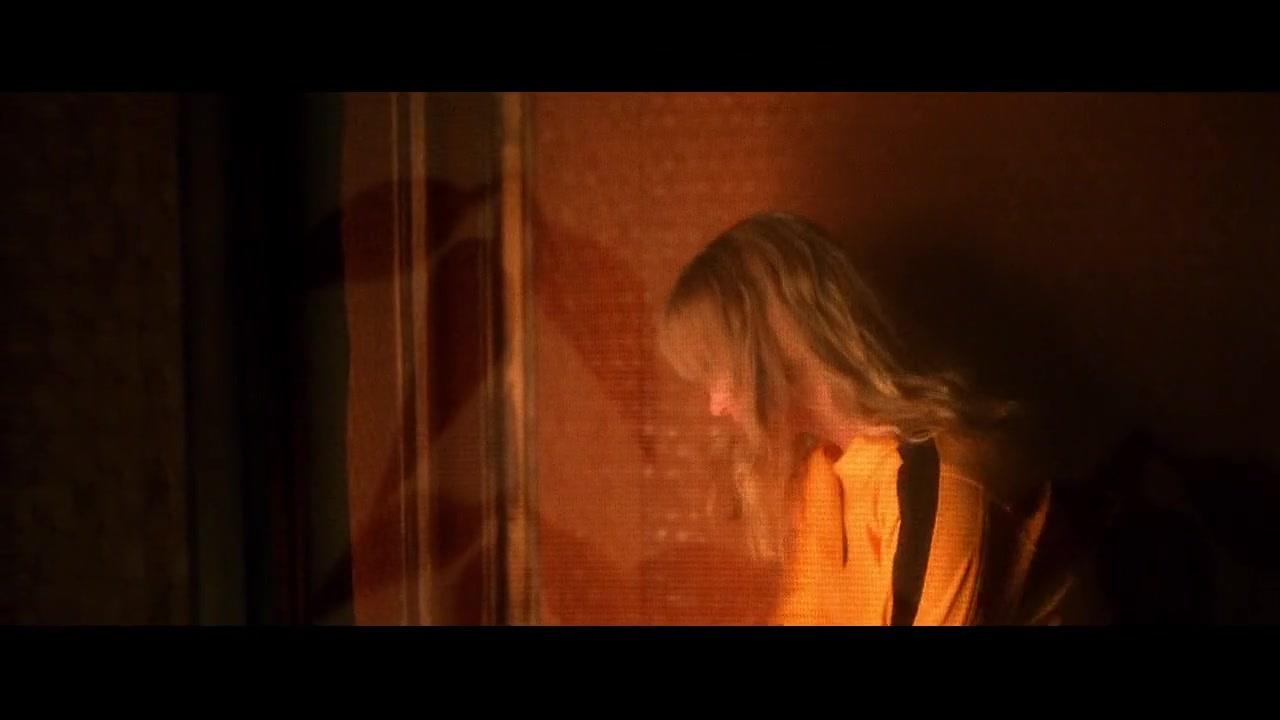 《杀死比尔》女主入场后周围的环境变化。BGM全程洗脑