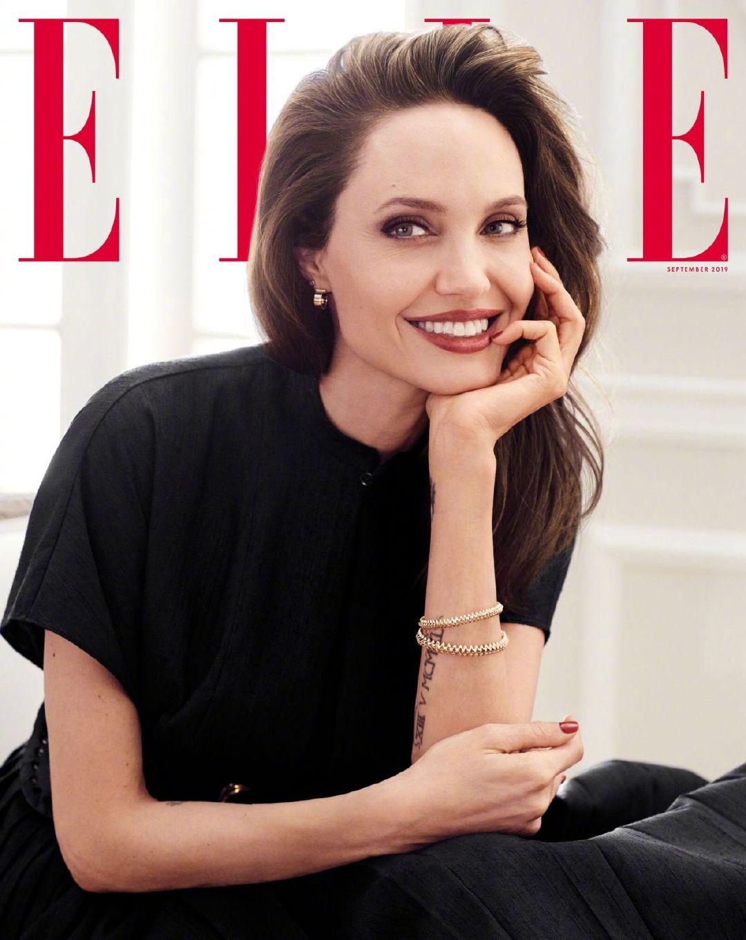 安吉丽娜朱莉Angelina Jolie 身穿Dior  佩戴卡地亚cartier饰品登上《
