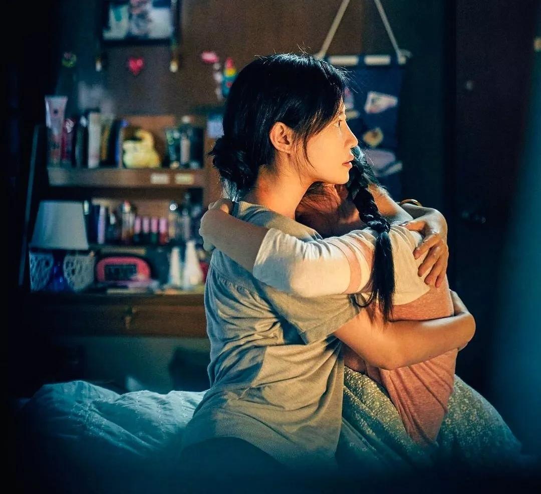 """母女共同出演《误杀》,陈冲演技大受好评,17岁女儿成""""败笔""""?"""