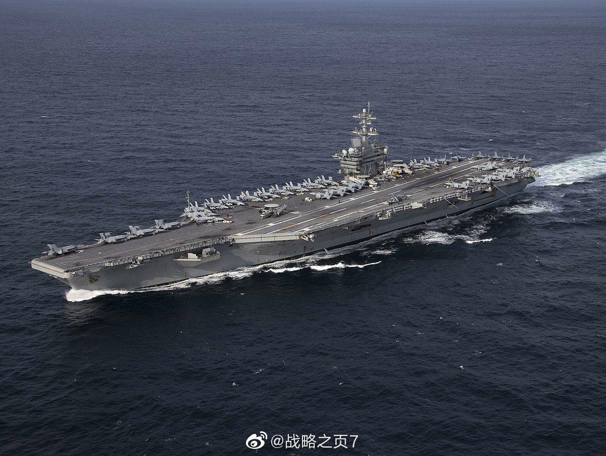 5月18日美海军林肯号航母航行至阿曼东部的阿拉伯海上