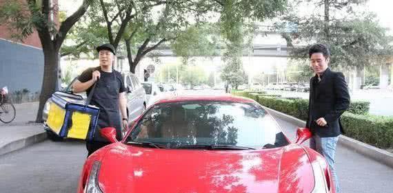 杜海涛情人节送沈梦辰158万奔驰大G,粉丝:真的是非常羡慕了