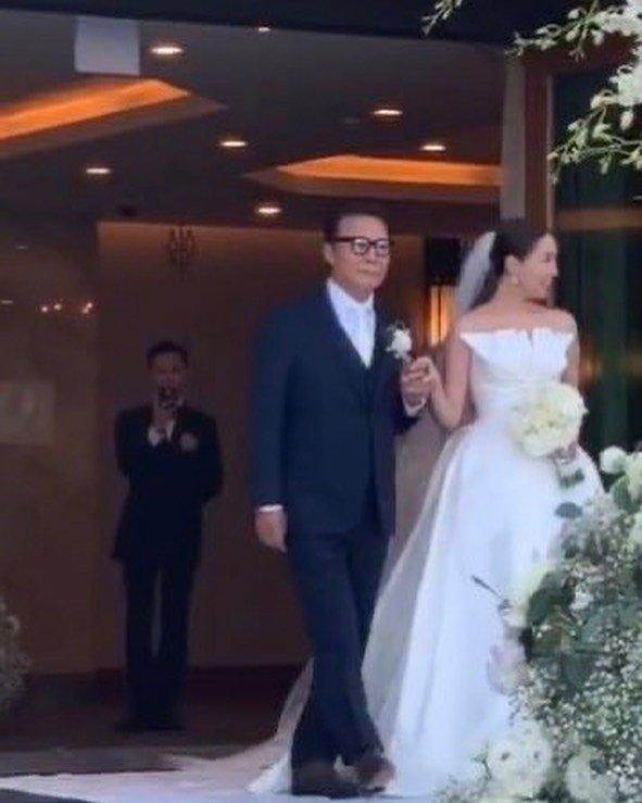 1日,权志龙的姐姐权多美与演员金敏俊举办婚礼
