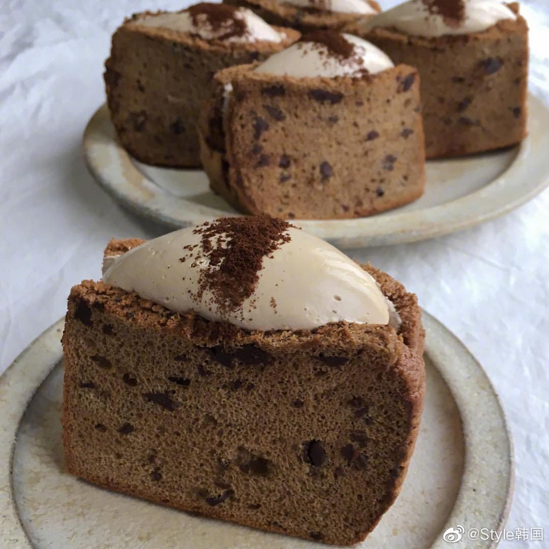 辛苦一星期,周末奖励自己一块蛋糕吧~