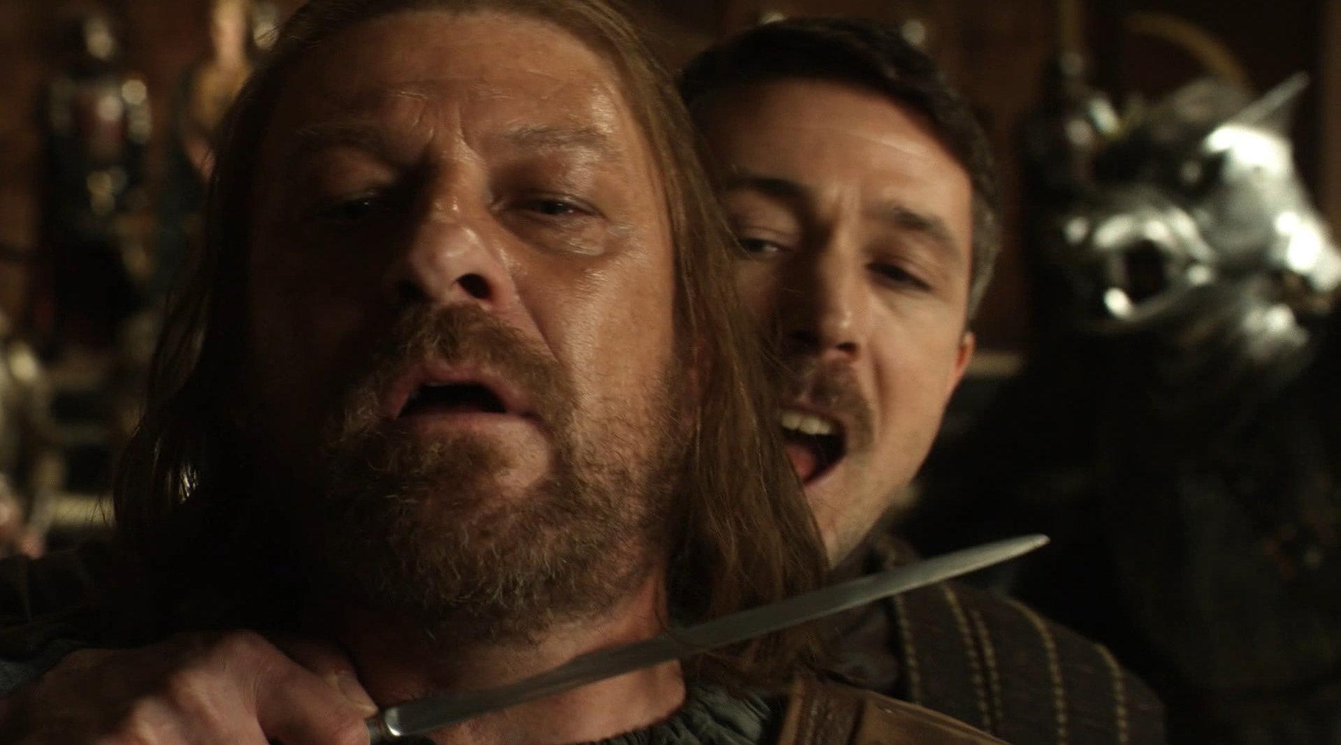 君临城国王惨遭陷害而死,斯塔克家族首脑被抓,瑟曦之子趁势登基