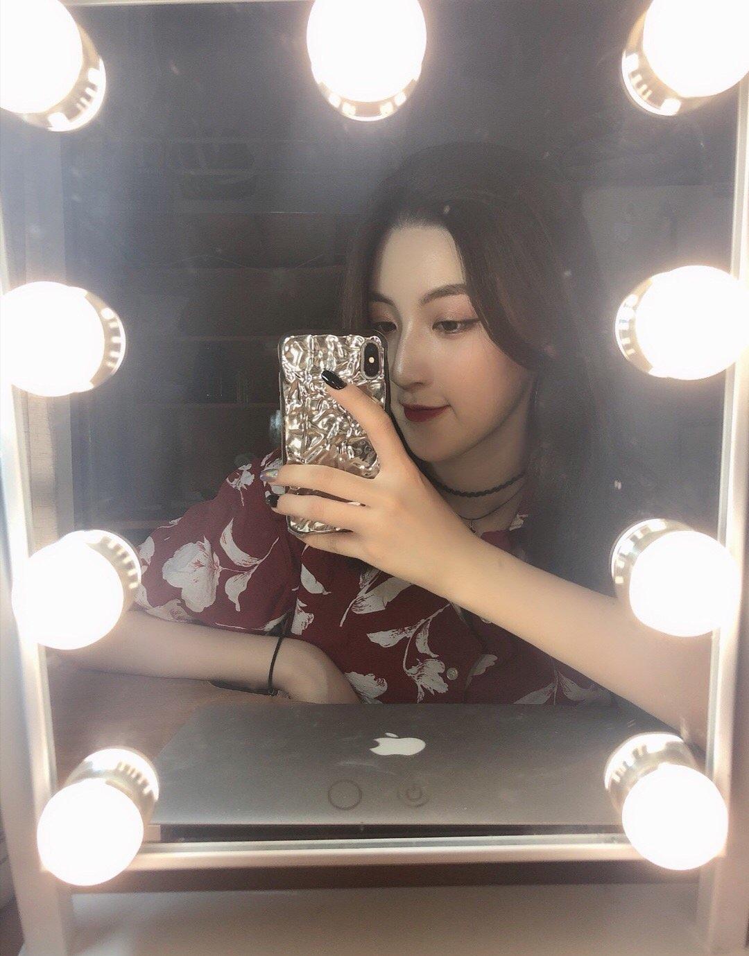 上海戏剧学院,18级导演系本科生,2000年,漂亮的处女座姑娘