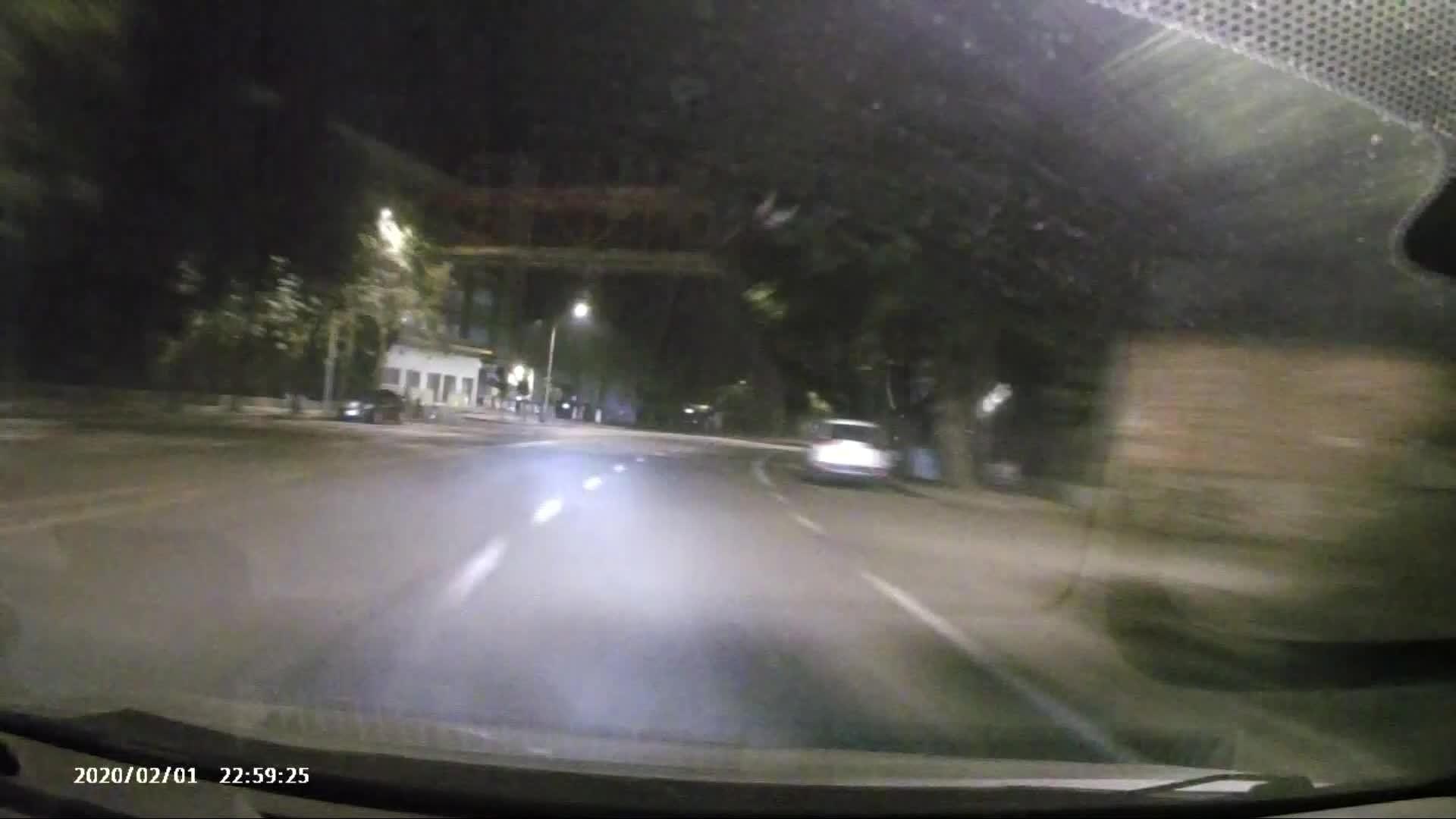男子醉驾逆行400米酿成交通事故,负全责