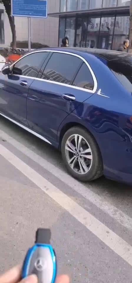 视频:车子投诉: 奔驰C200L,反反复复维修5次,换了电瓶
