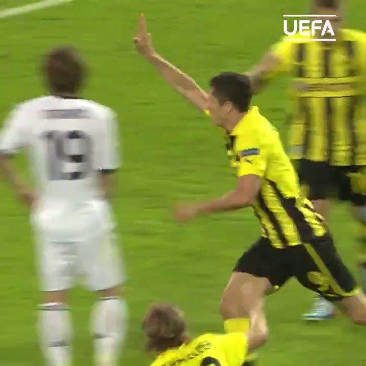双面球星 | 在俱乐部是猛虎,在国家队是病猫,这就是莱万多夫斯基