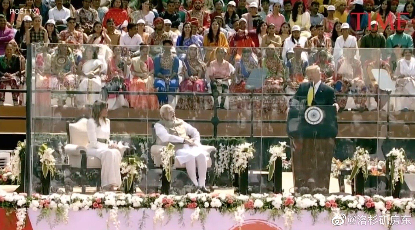 印度10万民众聚集听川普演讲...