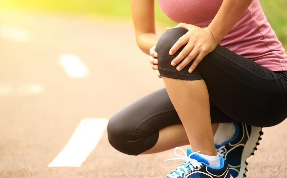 健身过度脚踝膝盖受损咋办?这8个保护措施,预防膝关节骨质增生