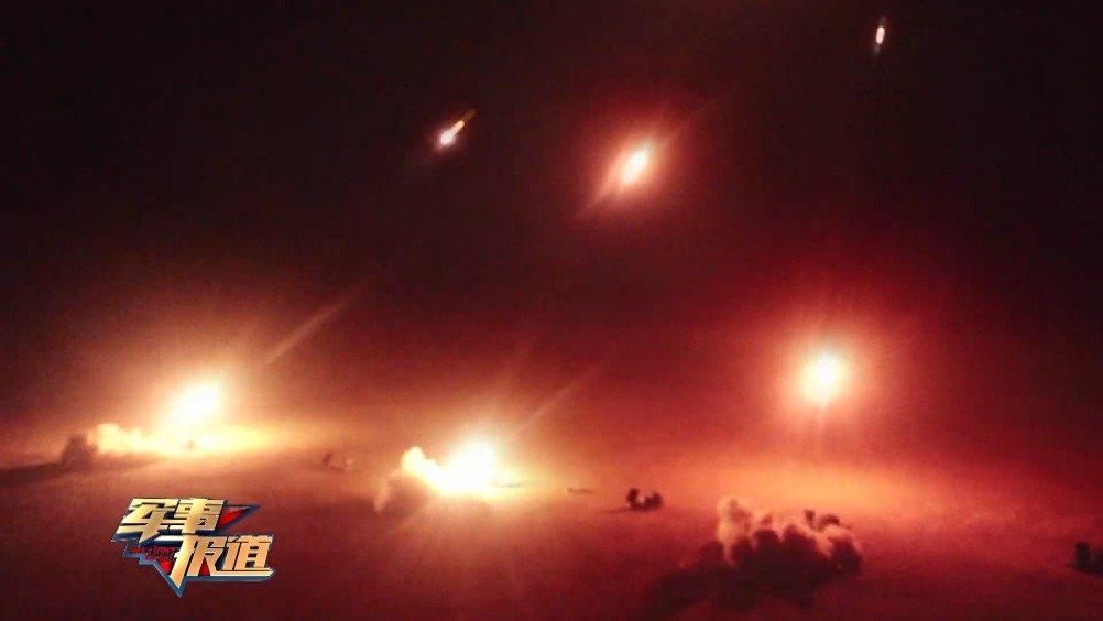 西北大漠  火箭炮分队跨昼夜实弹射击