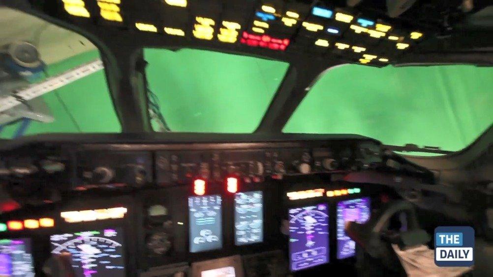 电影《迫降航班》飞行特摄幕后。