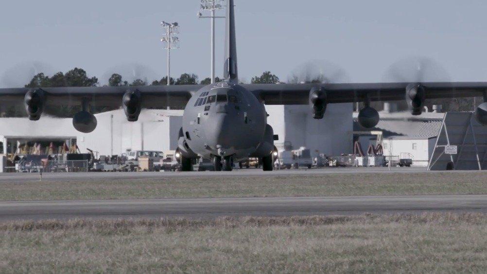 洛马公司向美国海岸警卫队交付首架HC-130J搜索救援飞机