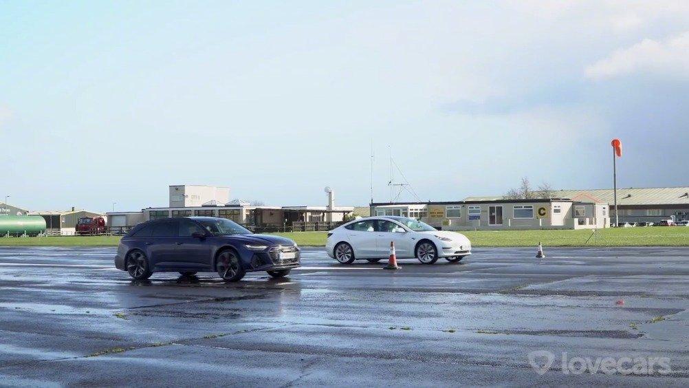 全新奥迪RS6 对比特斯拉Model 3性能版的视频来了