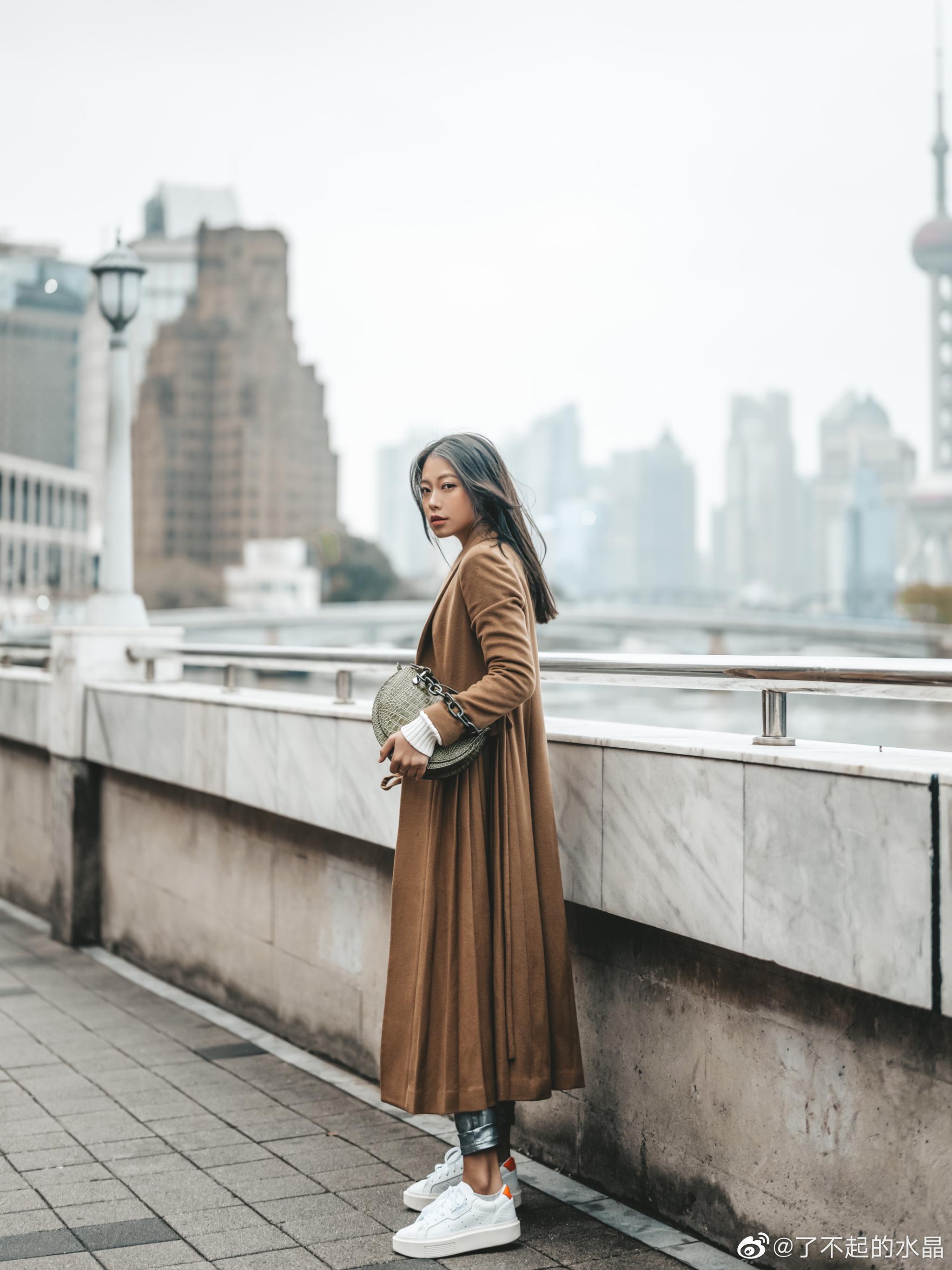 这条银色的裤子太飒了 毛衣 - Ralph Lauren外套 - Co