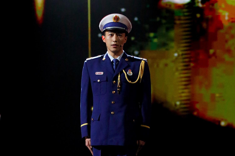 王森网络春晚 《我是火焰蓝》高燃致敬消防员英雄