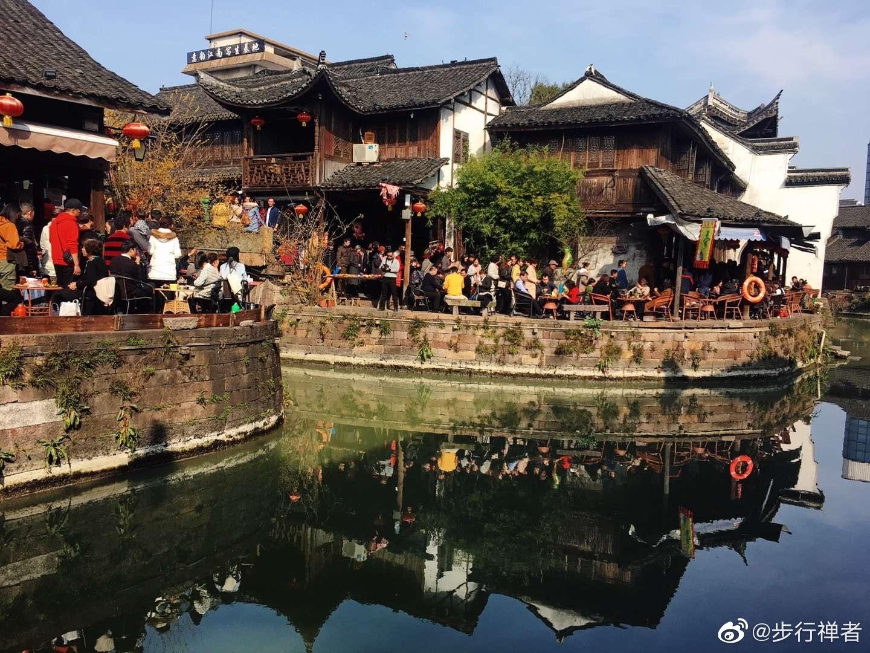 千年小上海,江南百老汇。新市古镇,千百年来居民临河而建