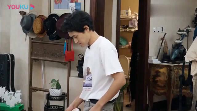 《做家务的男人》袁弘张歆艺在家里擦地的方式让人大开眼界