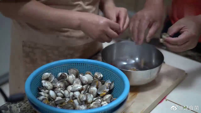 韩国农村吃播:儿子不在家,妈妈做了杂烩饭,花样真丰盛,好馋人。