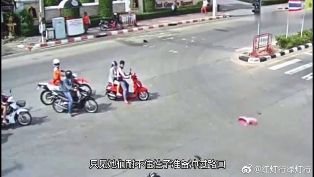 两个男司机瞬间相撞!我就想问问多等一会怎么了!