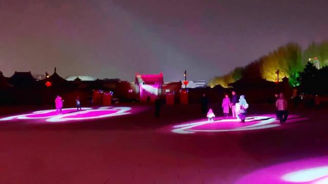 沈阳:故宫门前,走马灯