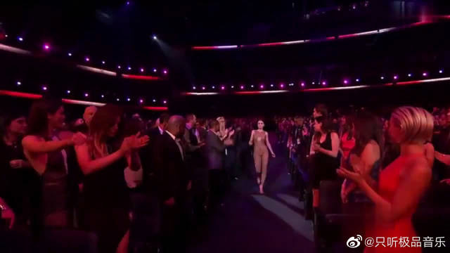 Ariana Grande、Nicki Minaj、Jessie J格莱美现场演唱《Bang Bang》