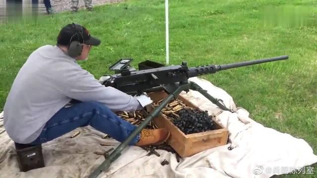 M2HB型重机枪为何人见人怕?看看它那大口径子弹就懂了