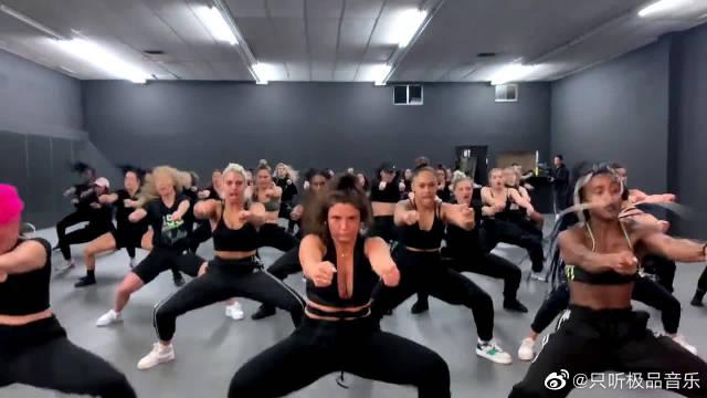 国外舞者编舞贾斯汀·比伯回归新单《Yummy》,太帅了!