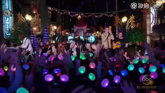 OneRepublic迪斯尼现场演唱歌曲,摇滚大叔配动漫王国