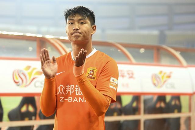 禁赛半年让他成长! 低调+勤奋 未来十年他是中国男足最强前锋