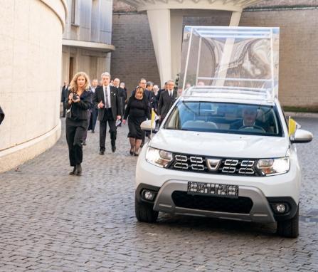 教宗新入库的座驾SUV,高性价有口皆碑,国内没见过