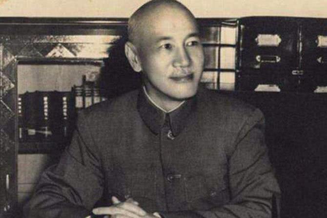 杨森娶12个老婆,逃往台湾继续风流,他的儿子在大陆当高官