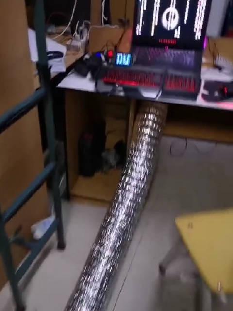 吉林大学南岭校区某同学做的电脑散热装置,大家觉得怎么样?