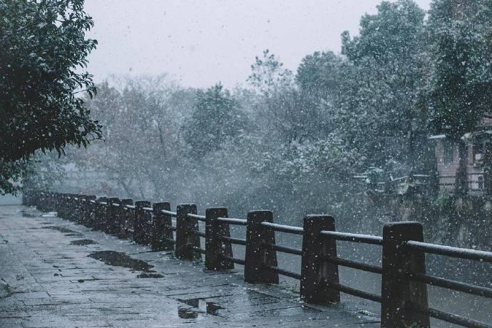 雪中江南的小桥流水,此景怡情.
