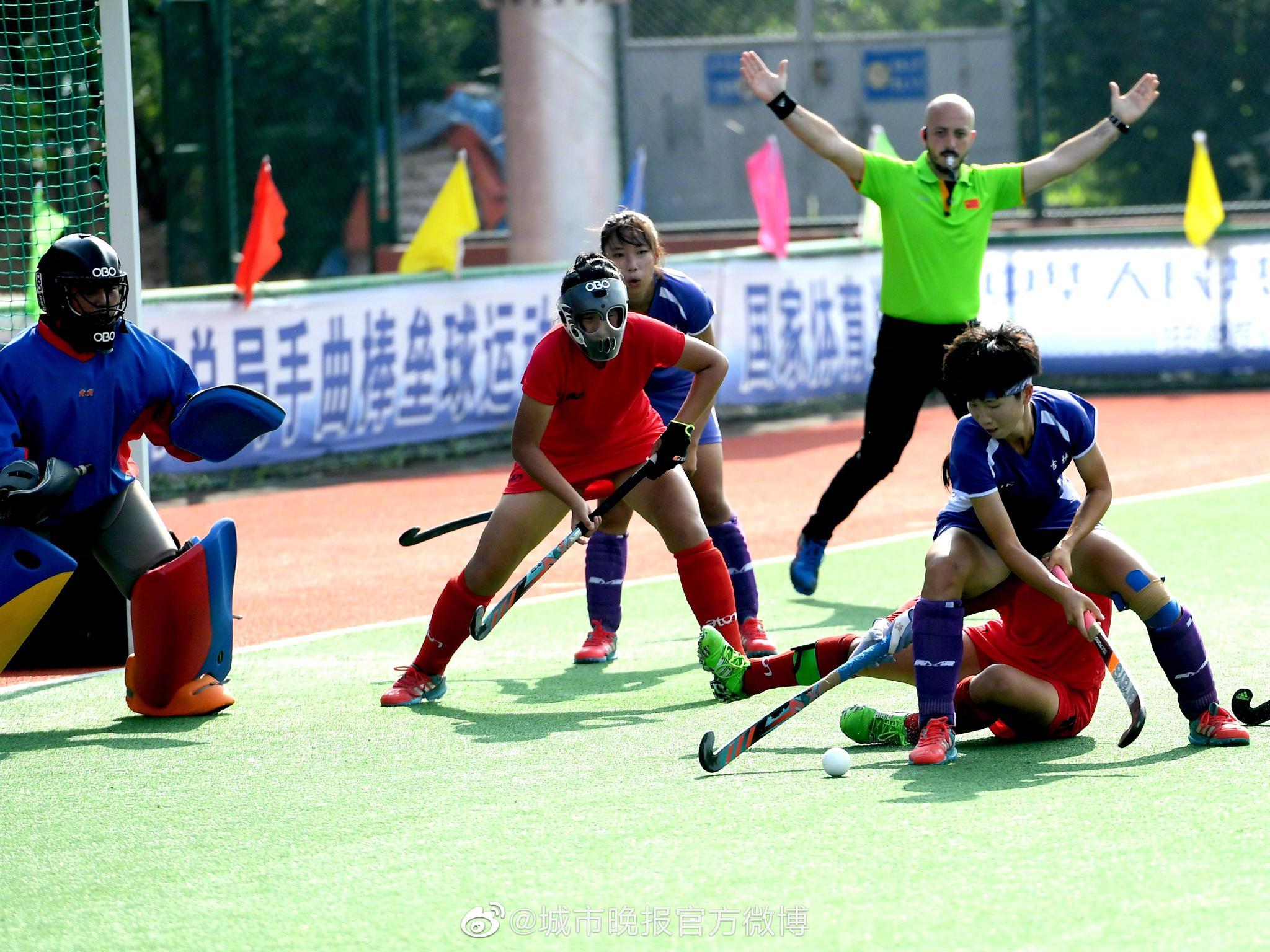 在今天下午结束的第二届全国青年运动会曲棍球体校U18组女子组季军争