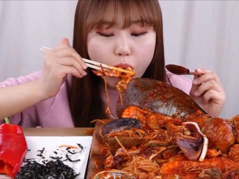 韩国吃播吃辣椒,日本吃播吃辣椒,都不如国内吃播,把辣椒当饭吃