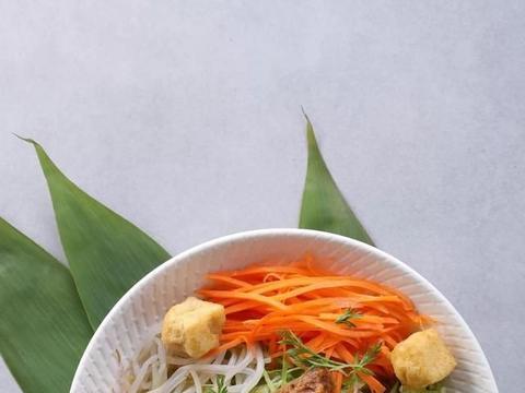 Mercedes me时尚餐厅东南亚美食节品鉴之旅现已启程